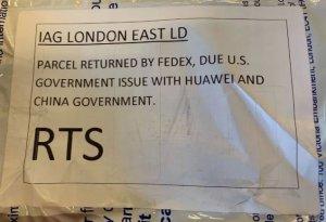 Санкции, доведенные до абсурда: FedEx отказалась доставлять Huawei P30 Pro из Великобритании в США