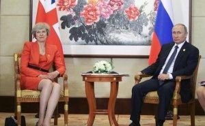 """Песков рассказал о жестком разговоре Мэй с Путиным по """"делу Скрипалей"""""""