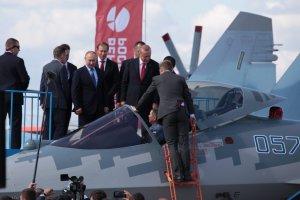 Новейшие российские самолеты осмотрели Владимир Путин и Президент Турции Реджеп Тайип Эрдоган