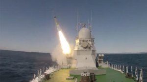 """Минобороны опубликовало видео первого пуска ракеты """"Уран"""" с корабля """"Смерч"""""""