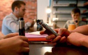 Электронные сигареты обеспечили мышей раком легких