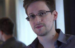 Сноуден предупредил об опасностях WhatsApp и Telegram