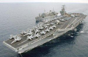 Военные США рассержены: шесть авианосцев стоят в доке, и ни один из них не готов к бою