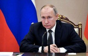 """Путин назвал беспардонной ложью """"антисоветскую"""" резолюцию Европарламента"""