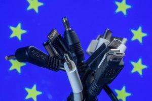Европарламент проголосовал за резолюцию о введении единого разъема для зарядки телефонов