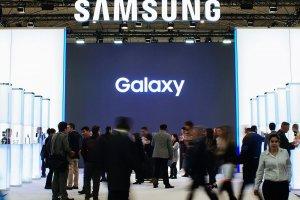 Компания Samsung согласилась предустанавливать российское ПО
