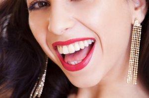 Учёные: даже симуляция улыбки оказывает пользу психическому здоровью