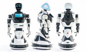 Российский робот Promobot будет обучать детей в Норвегии физике и химии