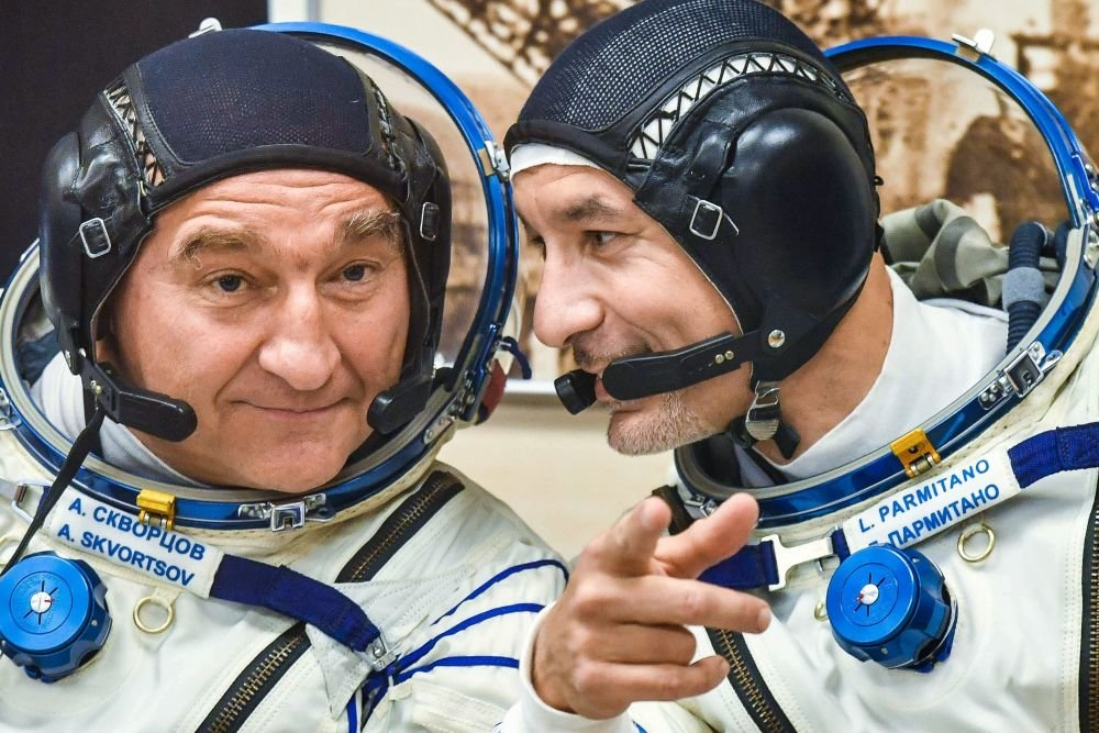 """Экипаж """"Союза МС-13"""" перестыковал корабль к другому модулю МКС"""