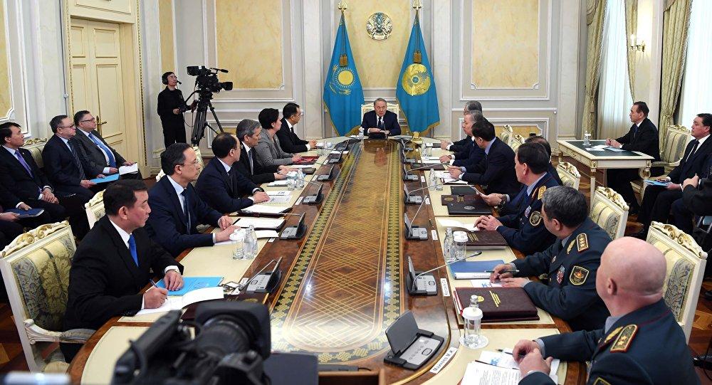 [В силу исторической миссии] Сенат Казахстана закрепил прожизненное право Назарбаева возглавлять Совет безопасности