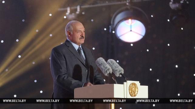 Лукашенко: связь народов Беларуси, России и Украины всегда будет выше политических интересов и амбиций