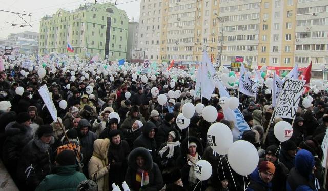 Удальцов возложил вину за аресты митингующих на Навального и Пономарева