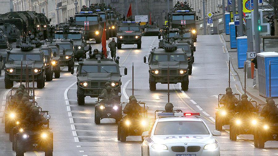 Россия снизила военные расходы впервые за 19 лет