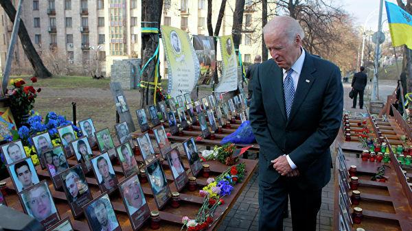 """""""Украингейт"""" затягивает петлю вокруг главного противника Трампа"""
