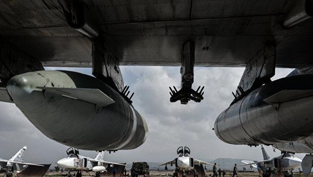 """Рудской: Су-24 с комплексами """"Стрелец"""" поражают в Сирии почти 100% целей"""
