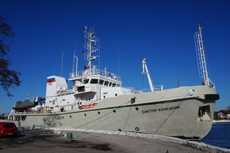 "Корабли Балтфлота сопровождают караван судов в ""пиратском"" районе"