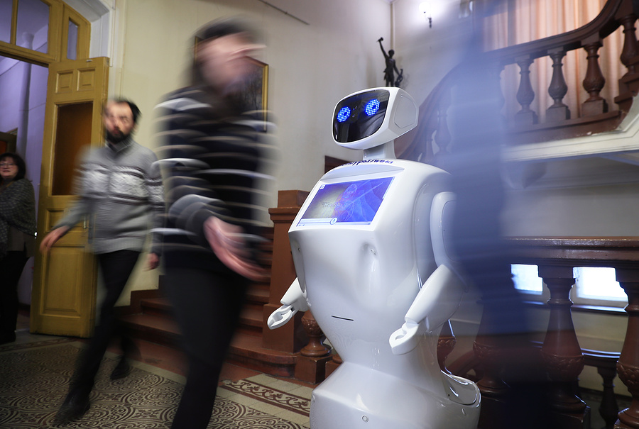 Роботы-помощники, логопеды и консьержи: как в России развивается социальная робототехника