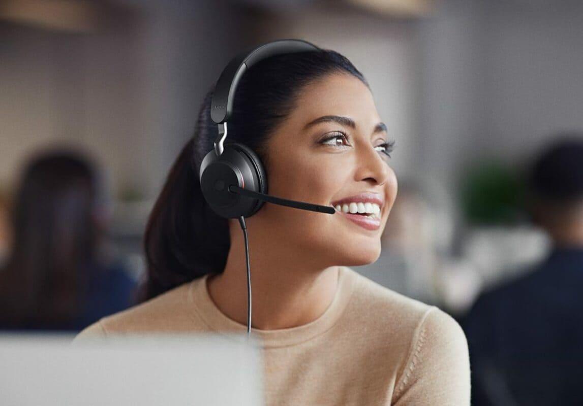 Jabra выпускает бизнес-гарнитуру с шумоподавлением для офиса