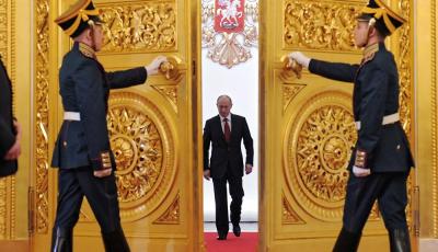 Россия ускоряет закупки золота, так как США угрожают еще большей экономической войной