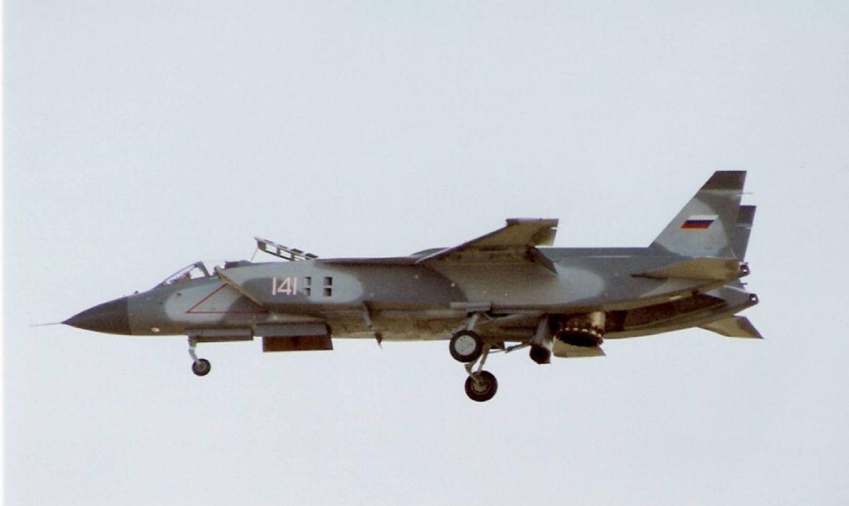Российские авиаконструкторы готовы возобновить работы по созданию самолетов вертикального взлета для новых авианосцев