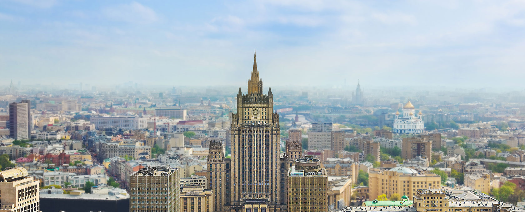 Россия крайне обеспокоена безответственными заявлениями США о возможном применении силы в Сирии - МИД РФ