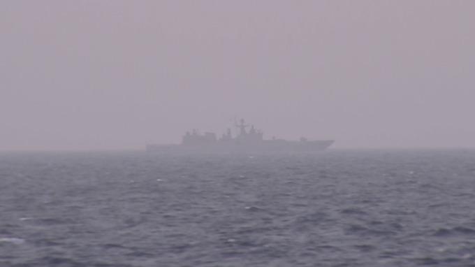 Российский фрегат установил наблюдение за авианосцем США в Средиземном море