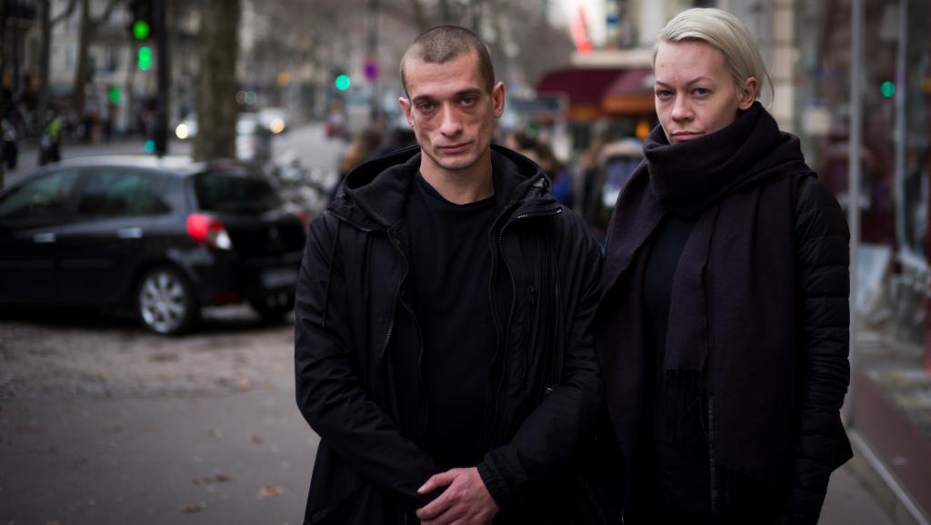"""""""Верю в мудрость суда"""": как в Париже слушали дело Павленского"""