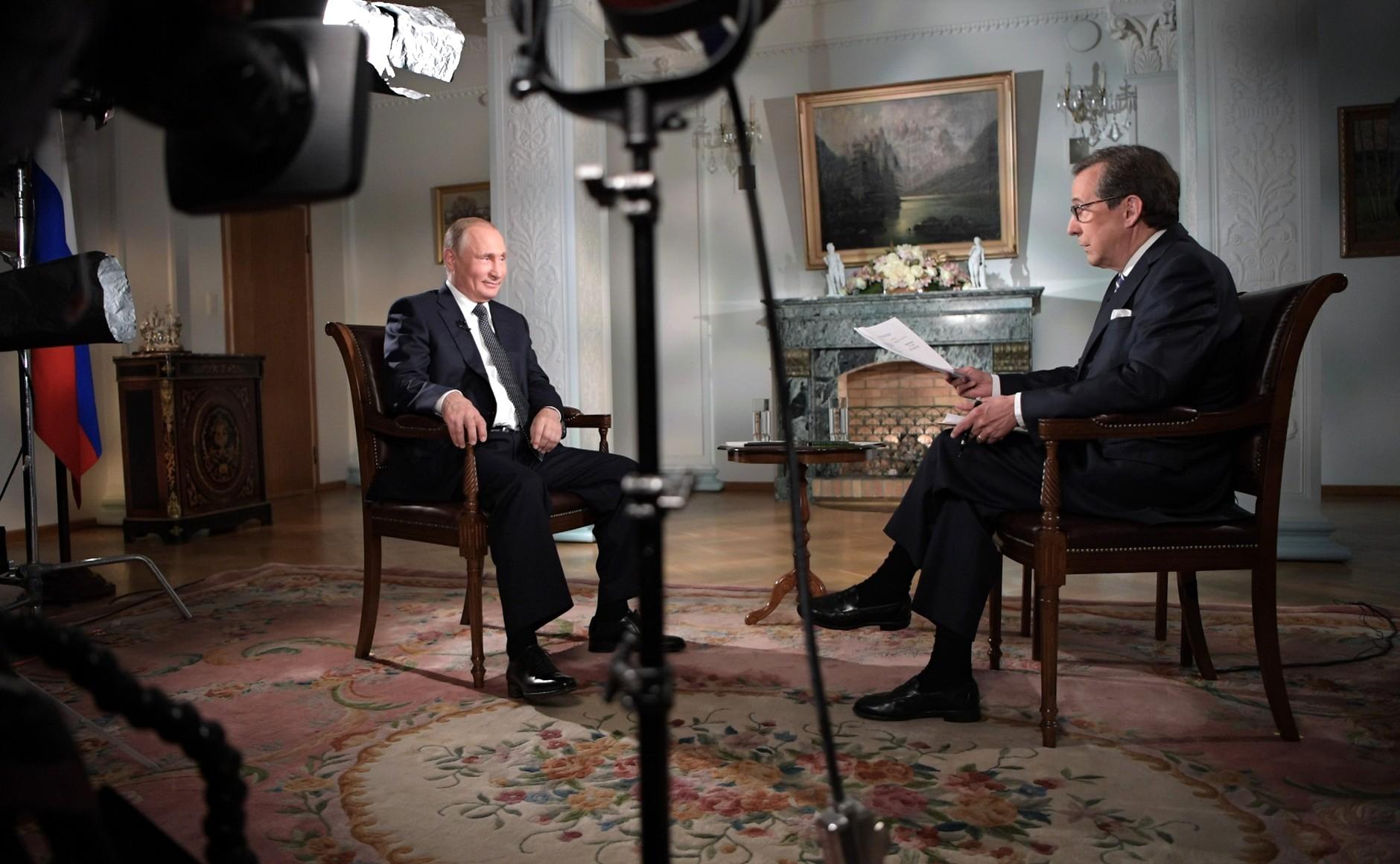 Россия отрицательно отнеслась бы к включению в НАТО Грузии и Украины. Владимир Путин ответил на вопросы журналиста телеканала Fox News