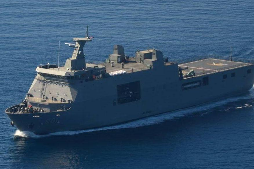 """Десантный корабль-док """"Тарлак"""" Военно-морских сил Филиппин впервые в истории прибыл во Владивосток"""
