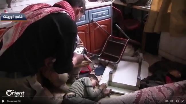 """Фотосессия мертвых: как """"Белые каски"""" снимали жертв химатаки в Думе"""