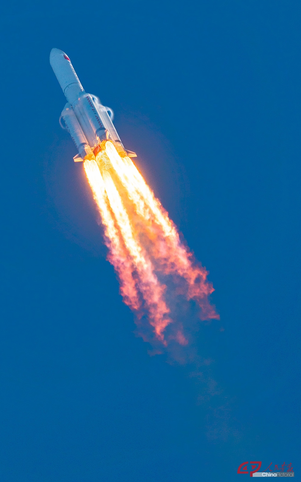 Китай запустил в космос перспективный транспортный корабль нового поколения