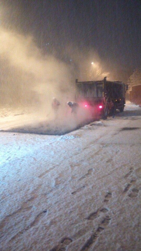 Угадайте, что делают во Владивостоке во время снегопада?