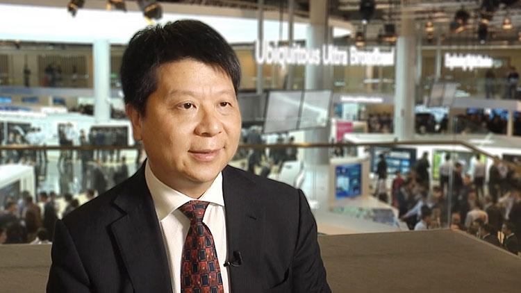 "Huawei: ""США технологически отстали и потому нас атакуют"""