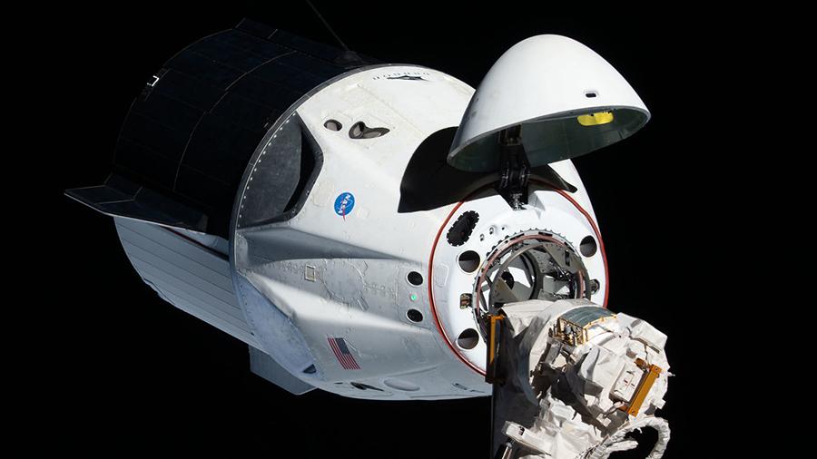 Космический корабль компании SpaceX Crew Dragon вчера взорвался при наземном испытании системы аварийного спасения