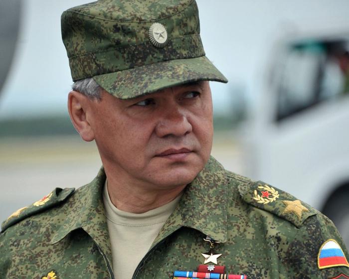 """Шойгу: """"Нельзя одним и тем же местом сидеть на разных поездах"""" (Министр обороны России призвал Запад определиться, на чьей они стороне в Сирии)"""