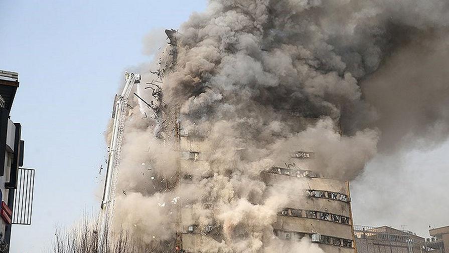 Иранский небоскреб обрушился в прямом эфире