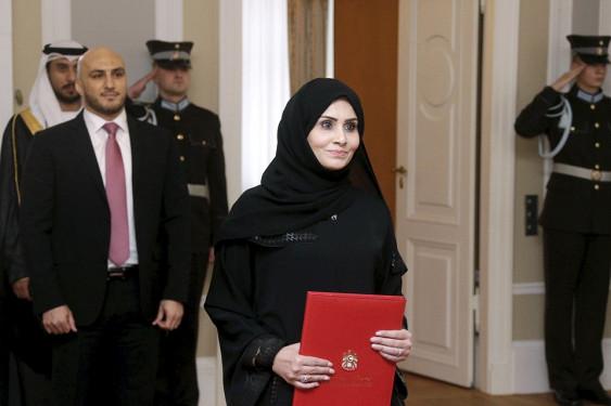 Посла ОАЭ в Латвии заставили снять хиджаб в рижском аэропорту (МИД Латвии получил ноту от ОАЭ после инцидента с послом)