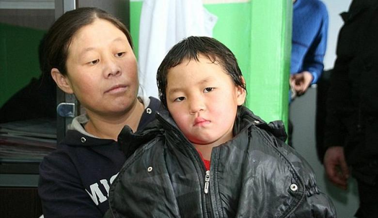 Четырехлетняя девочка прошла 8 километров по тайге, чтобы позвать помощь умирающей бабушке