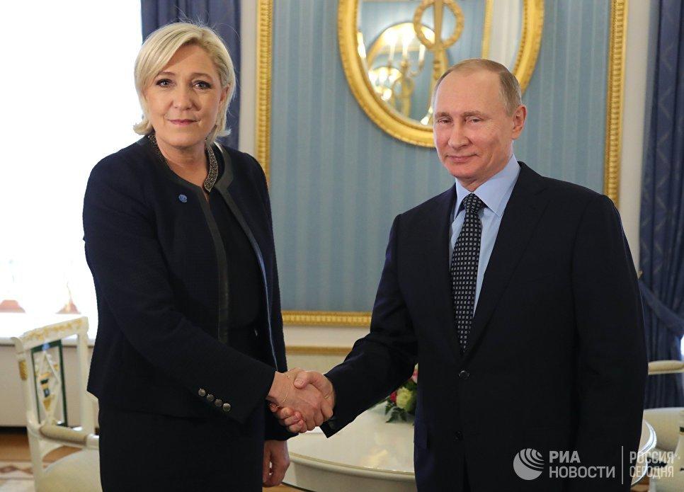 Путин на встрече с Ле Пен: Россия не хочет влиять на выборы во Франции