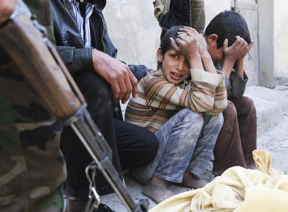 """""""Боевики заманивали детей едой"""": очевидцы о теракте у автоколонны под Алеппо"""
