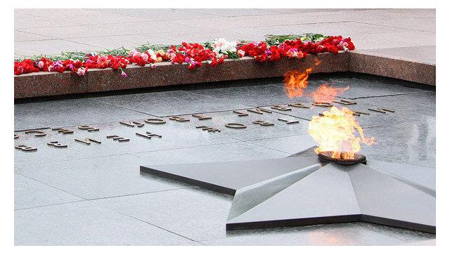 Мемориалу Могила Неизвестного солдата исполняется 50 лет