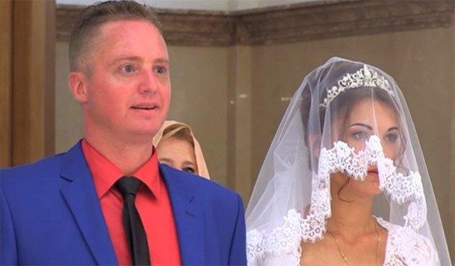 Американский журналист Патрик Ланкастер женился в Донецке на жительнице ДНР Наде