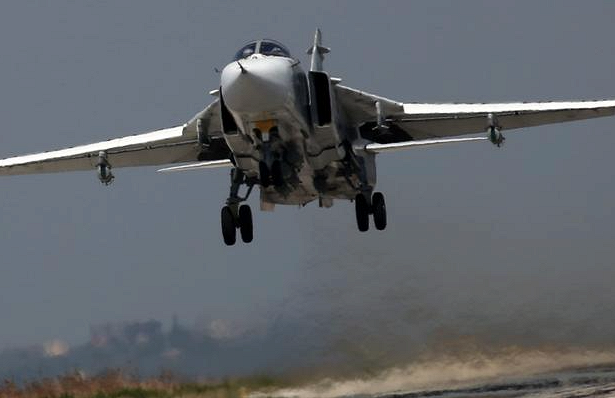 Су-24 разрушился при взлете с авиабазы ВКС РФ в Сирии