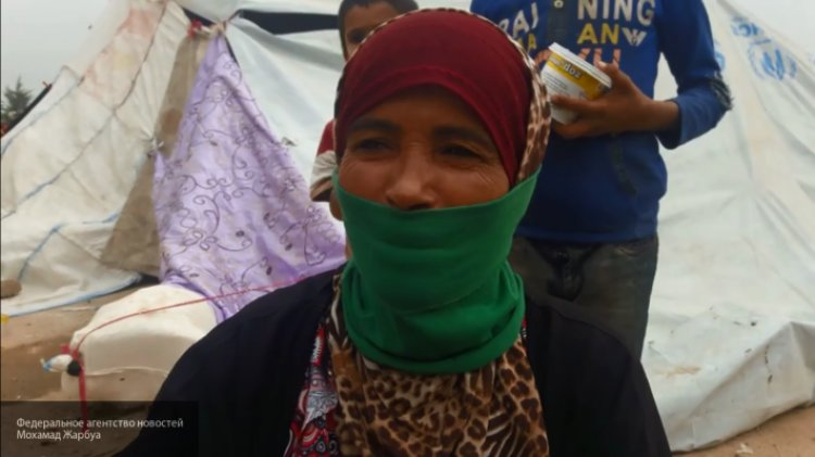 Ситуация у Ат-Танфа: САА при поддержке РФ спасает беженцев из лагеря США