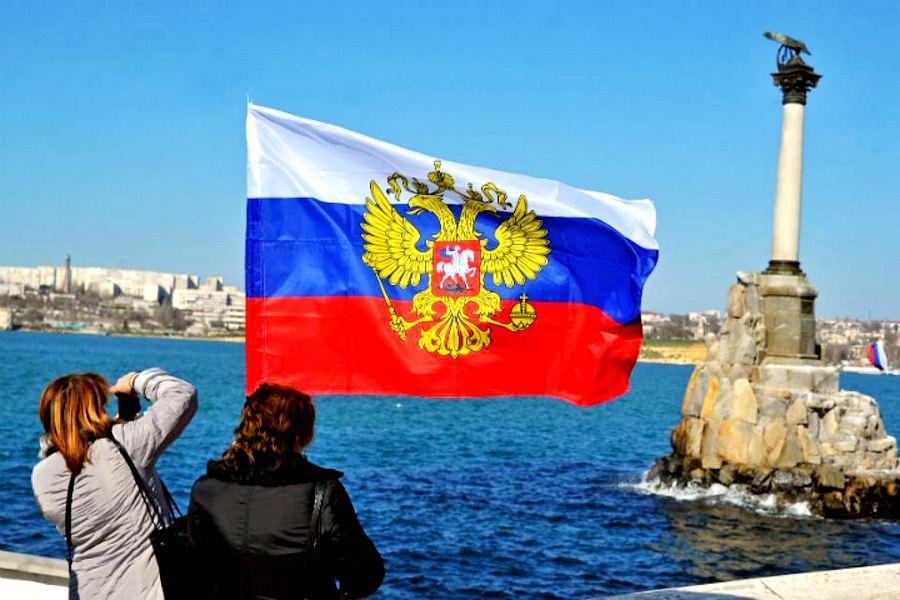 Президент расстроил мечтателей: условий для возвращения Крыма Украине нет (Путин заверил иностранных журналистов, что полуостров останется в составе России)