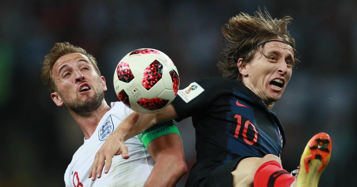 Сборная Хорватии обыграла англичан и впервые вышла в финал ЧМ, где сыграет с французами (Победный гол на 109-й минуте забил хорватский нападающий Марио Манджукич)