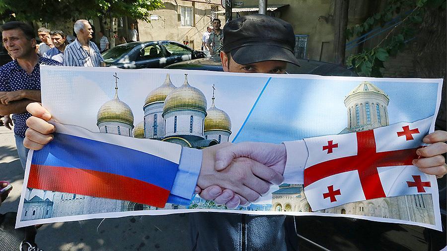 Лидер грузинской оппозиции Нино Бурджанадзе назвала ошибкой разрыв дипотношений с Россией