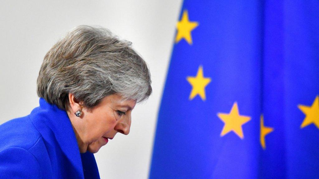 Британия отказалась от выхода из ЕС - но и остаться уже не может