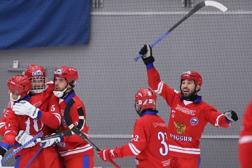 Вот это характер! Россия победила Швецию в финале ЧМ по хоккею с мячом 6:5, проигрывая весь матч