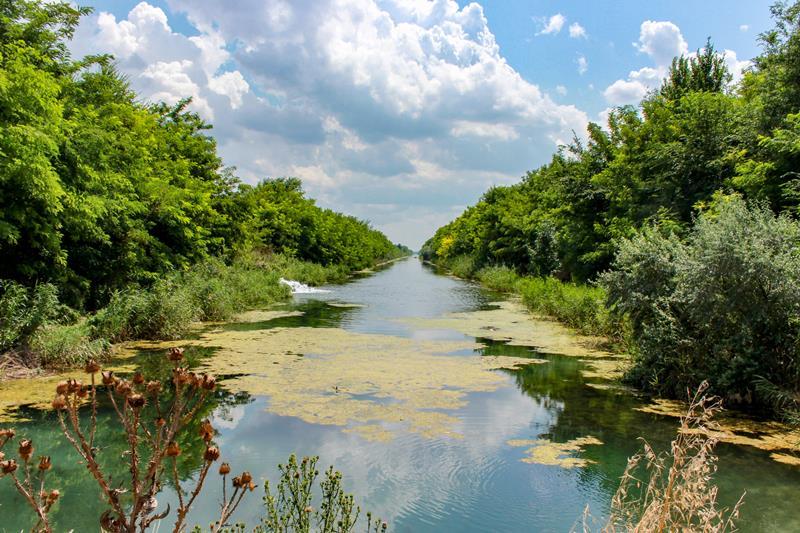 Вода в Восточный Крым: две нити жизни (В Крыму строят новый главный водопровод полуострова)